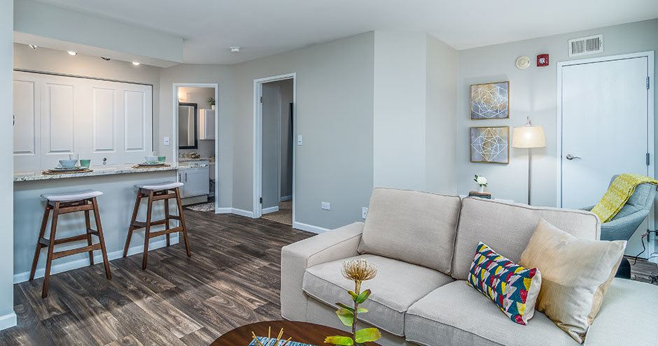 Windscape of Naperville Apartments offers a beautiful living room in Naperville, IL