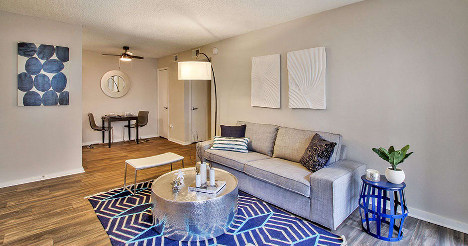 Sundance Apartments offers a modern living room in Wichita, KS