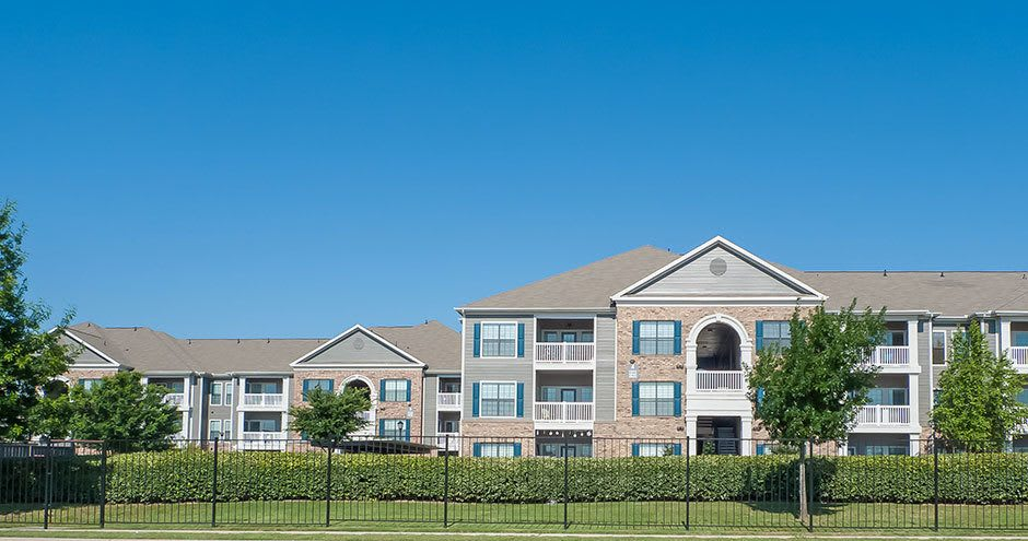 Enjoy the beautiful front view of City Parc at Keller apartments