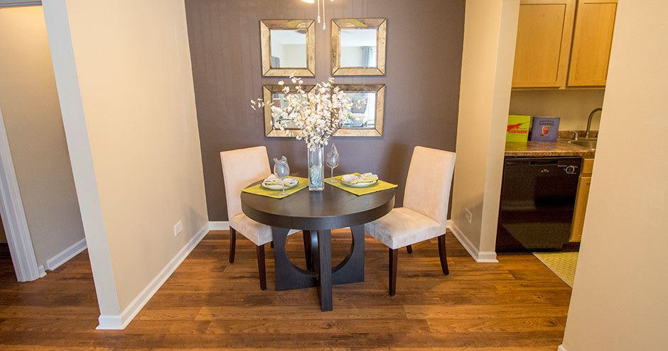 Dining room at Prentiss Creek at Downers Grove in Downers Grove, IL