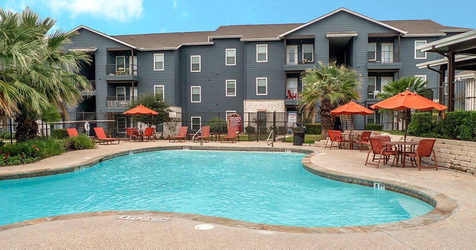 Beautiful swimming pool at Republic Woodlake in San Antonio, TX