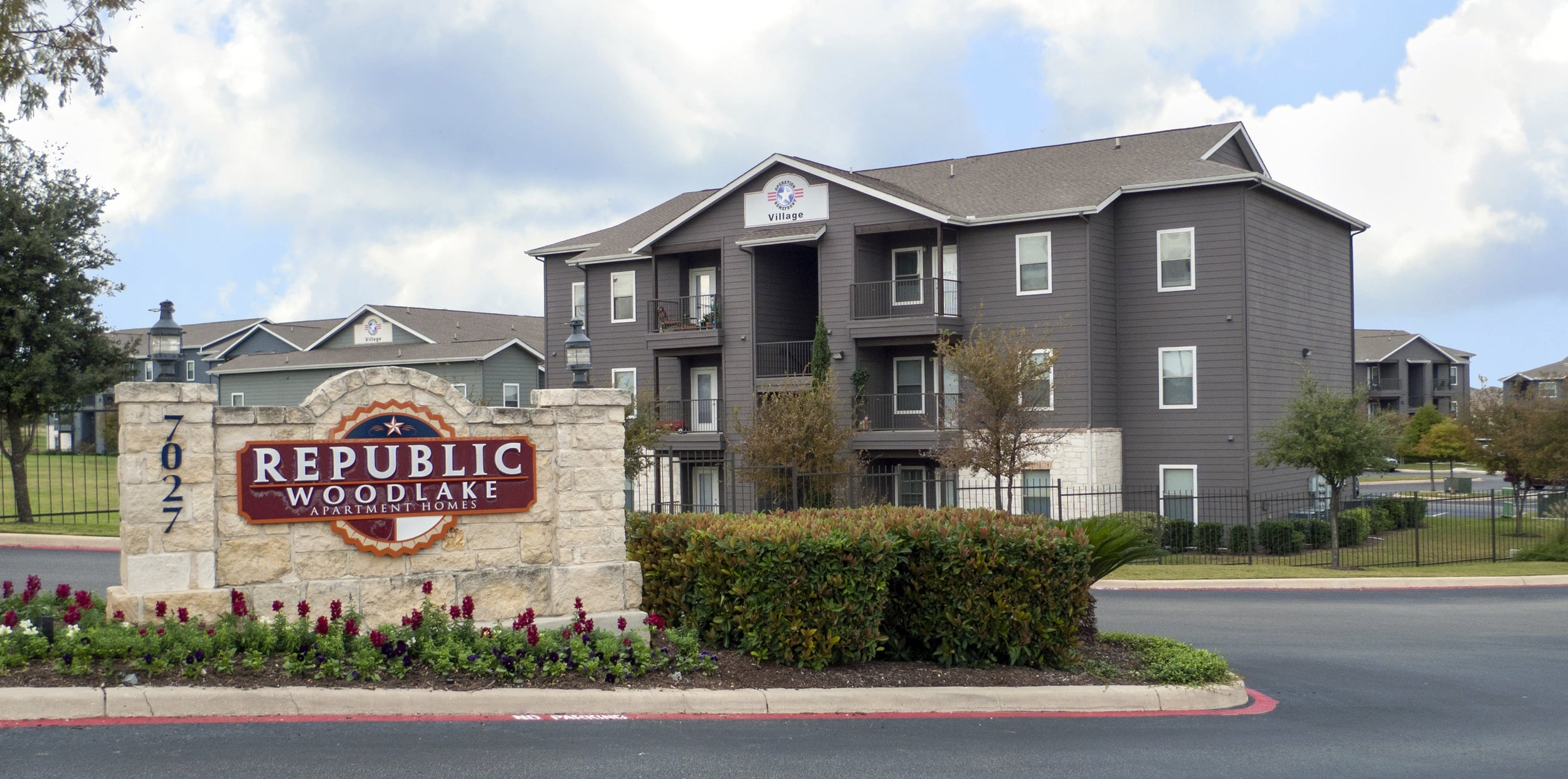 one in apartments antonio cheap carlyle place tx bedroom san tour apartment watch langley