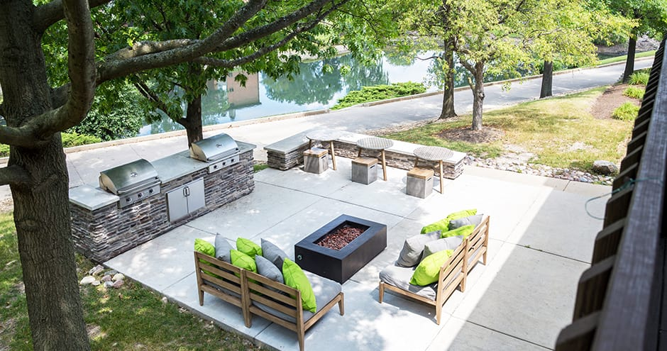 Bbq area at The Views of Naperville in Naperville, IL