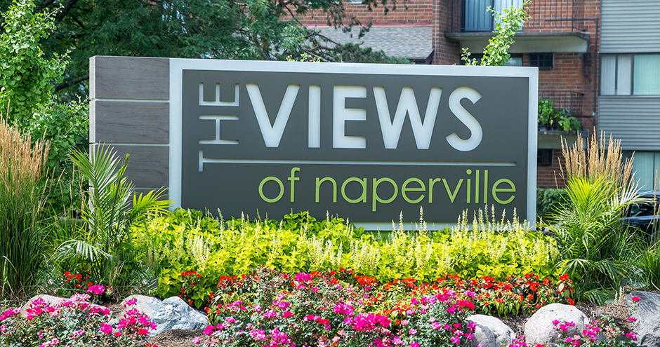 Beautiful entryway at The Views of Naperville in Naperville, IL