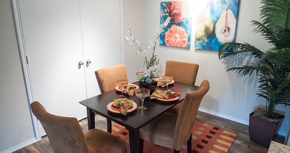 State-of-the-art dining room at Republic Deer Creek Apartments in Fort Worth, TX