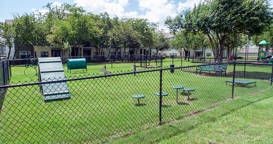 Dog park at Republic Deer Creek Apartments in Fort Worth, TX