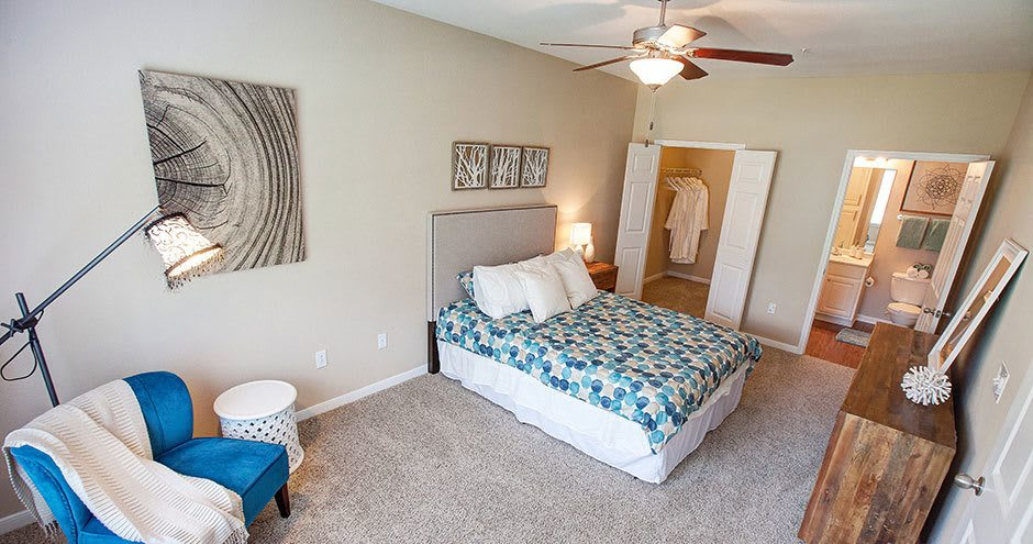 Spacious bedroom at Hawthorne Ridge Apartments in Conroe, TX
