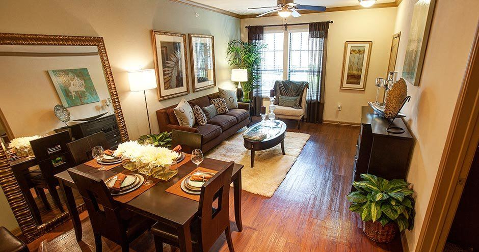 Northgate Oaks Apartments offers a luxury living room in Houston, Texas