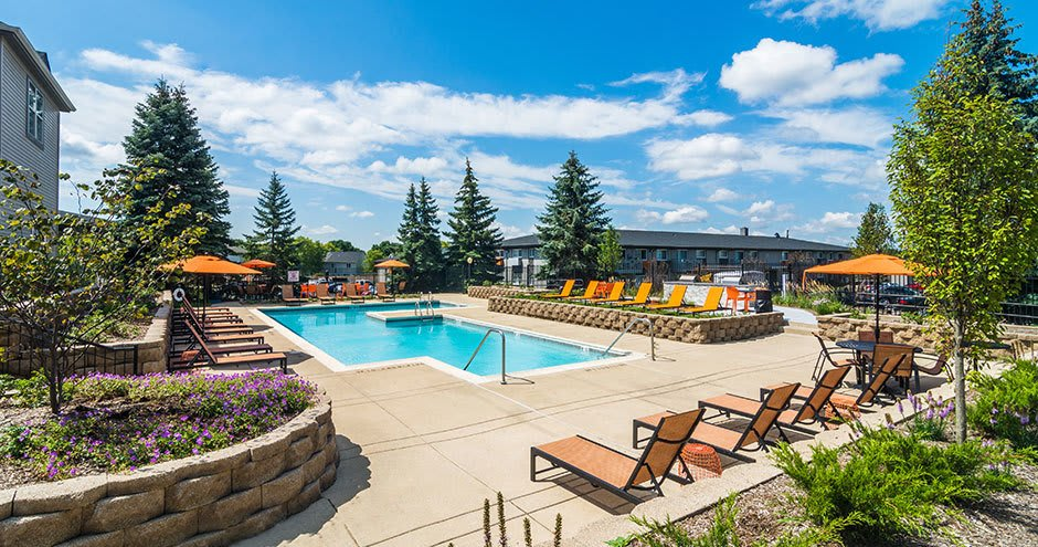 Axis at Westmont offers a modern swimming pool in Westmont, IL