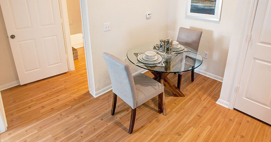 Quiet dining space at Willow Lake Apartments in Katy, TX