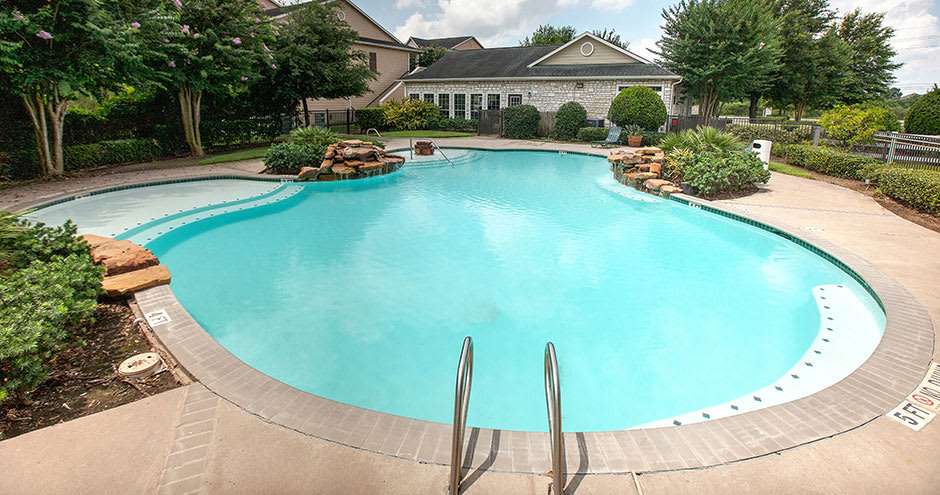 Apartments with a swimming pool that is great for entertaining