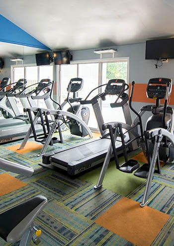 Fitness center at apartments in Waukegan, IL