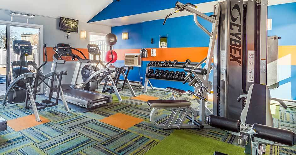Spacious fitness center at The Lakes at Fountain Square in Waukegan, IL