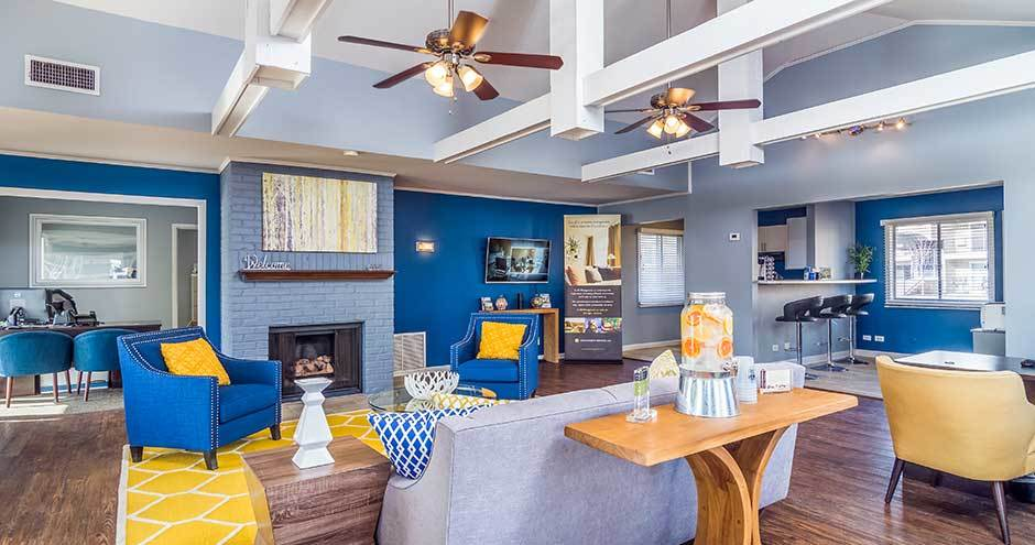 Luxury clubhouse at apartments in Waukegan, IL