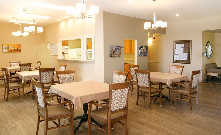 The spacious dining area at Regency Columbia Village in Boise, ID