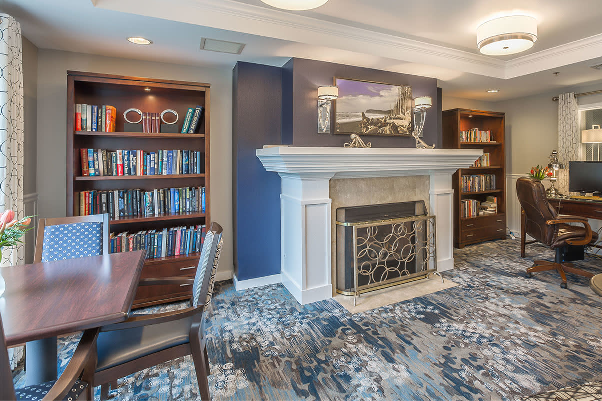 Reading lounge at senior living in Oak Harbor, Washington