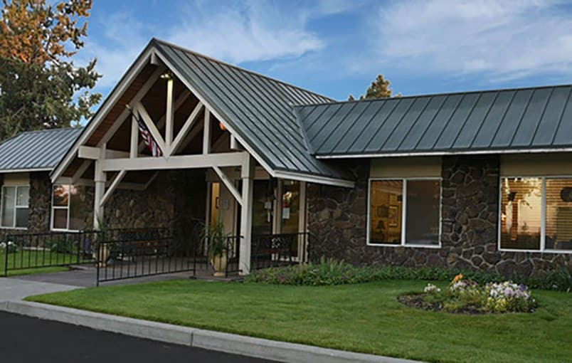 The common areas and landscaping at Regency Care of Central Oregon in Bend, Oregon, are very well maintained.