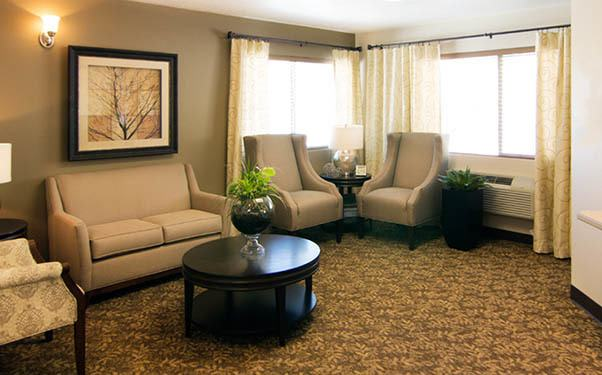 Living room at Regency Prineville Rehabilitation and Nursing Center in Prineville, OR