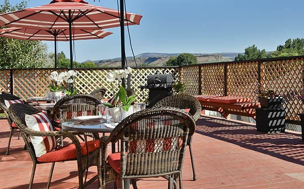 Patio at Regency Prineville Rehabilitation and Nursing Center in Prineville, OR