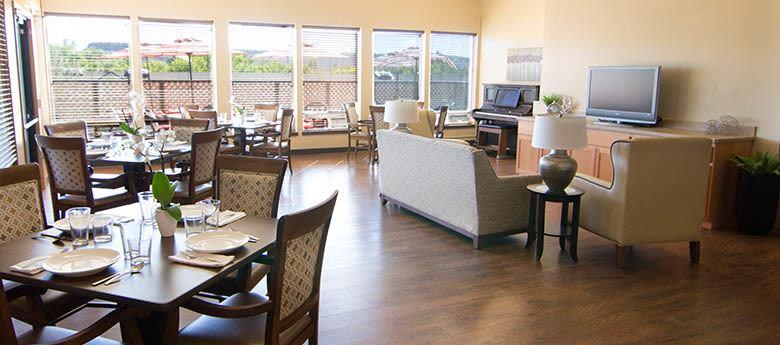 Community dining at Regency Prineville Rehabilitation and Nursing Center in Prineville, OR