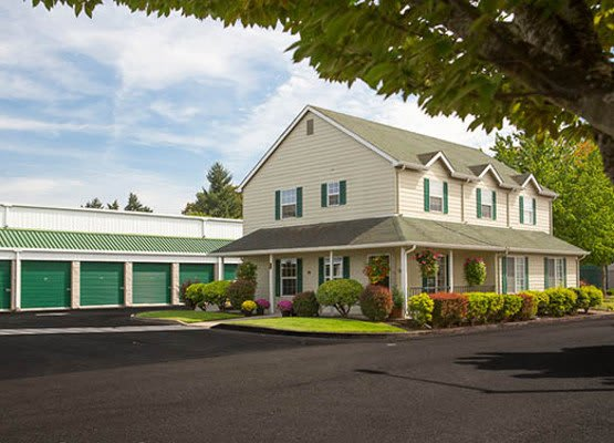 Our self storage facility in Keizer has all the features you're looking for in a safe and secure storage facility.