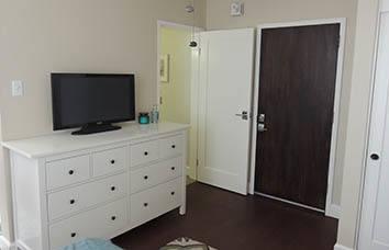 Inviting San Francisco apartment bedroom