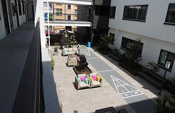 San Francisco apartment courtyard