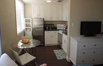 Quaint apartment kitchen in San Francisco