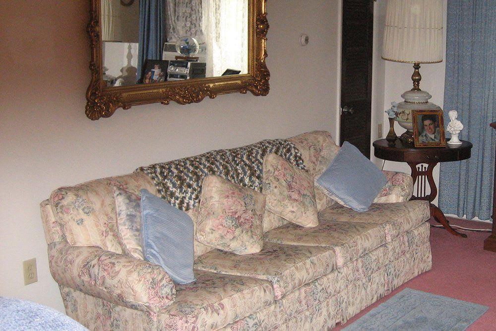 Altoona Apartment Living Room