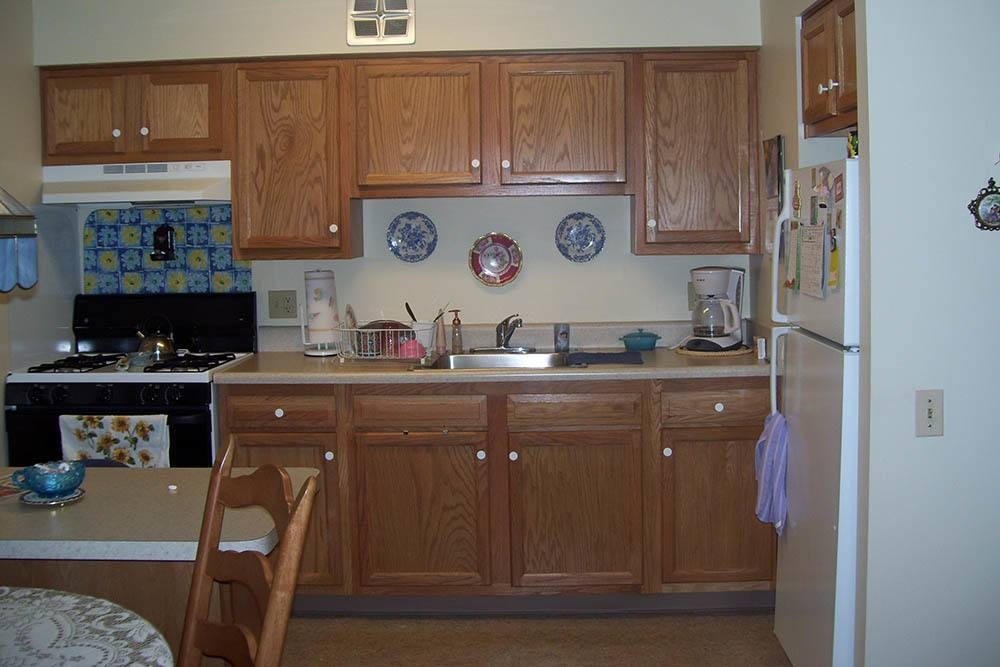 Apartment Kitchens In Mayfield Heights