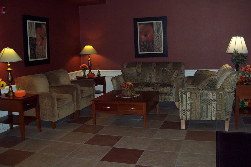 Apartment Waiting Room In Mayfield Heights