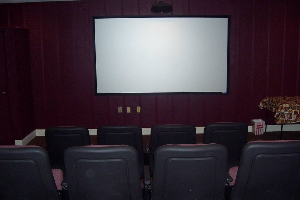 Resident Movie Theater In Mayfield Heights