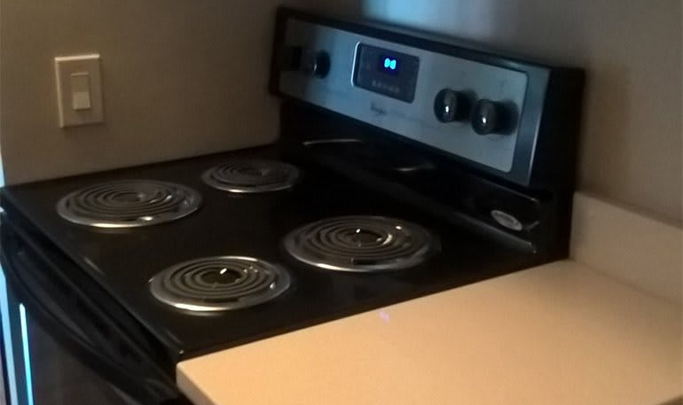 Apartments in Detroit have modern Stoves