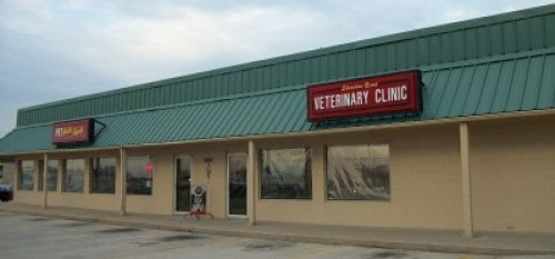 Exterior of Sheridan Road Veterinary Clinic in Tulsa