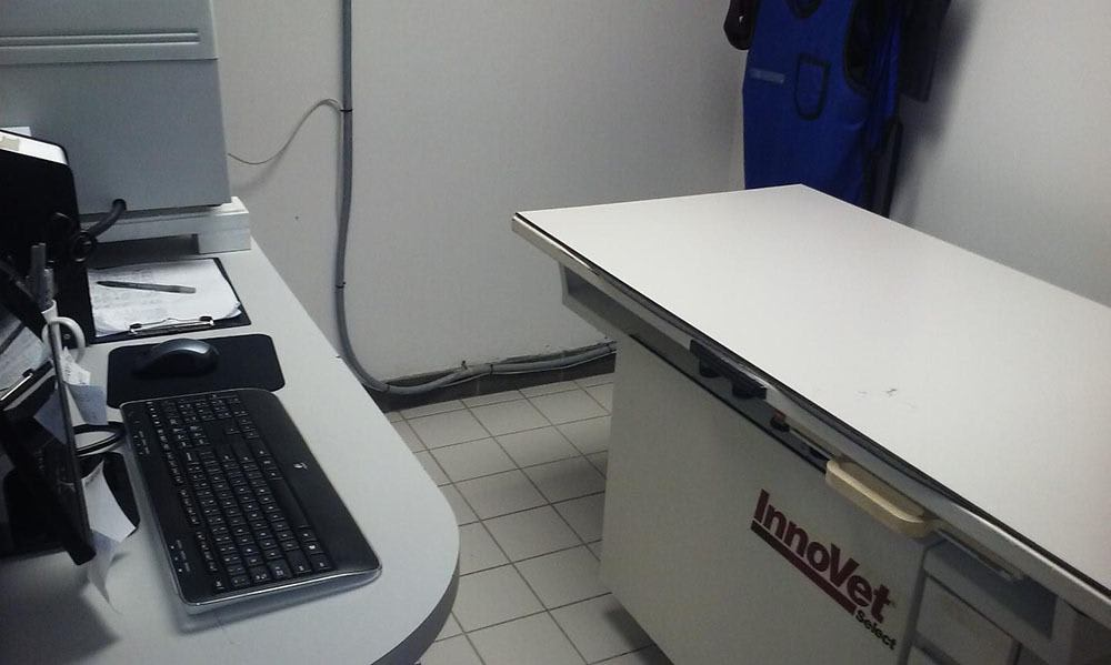 X Ray Table At Animal Care Clinic West & Metro Cat Hospital
