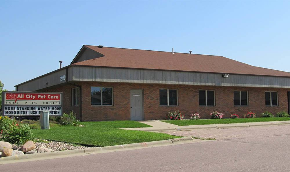 Exterior of Sioux Falls Animal Hospital
