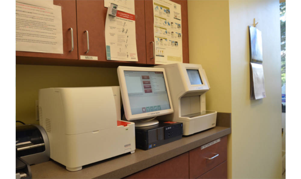 Lab computer in Animal Medical Clinic - Wheaton