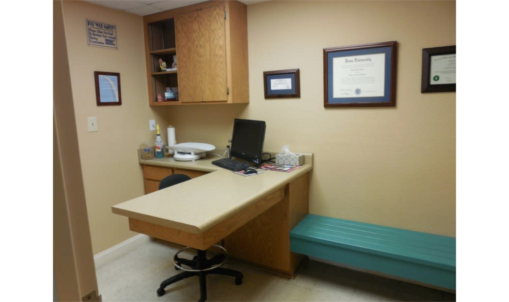 Welcome to an exam room at Towne North Animal Hospital