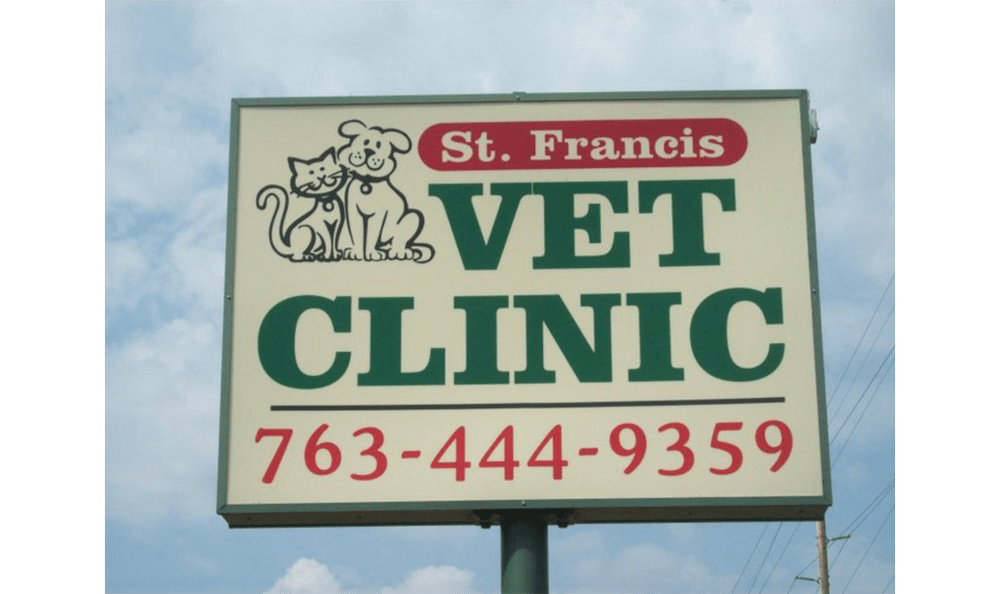 Sign for Isanti Animal Hospital