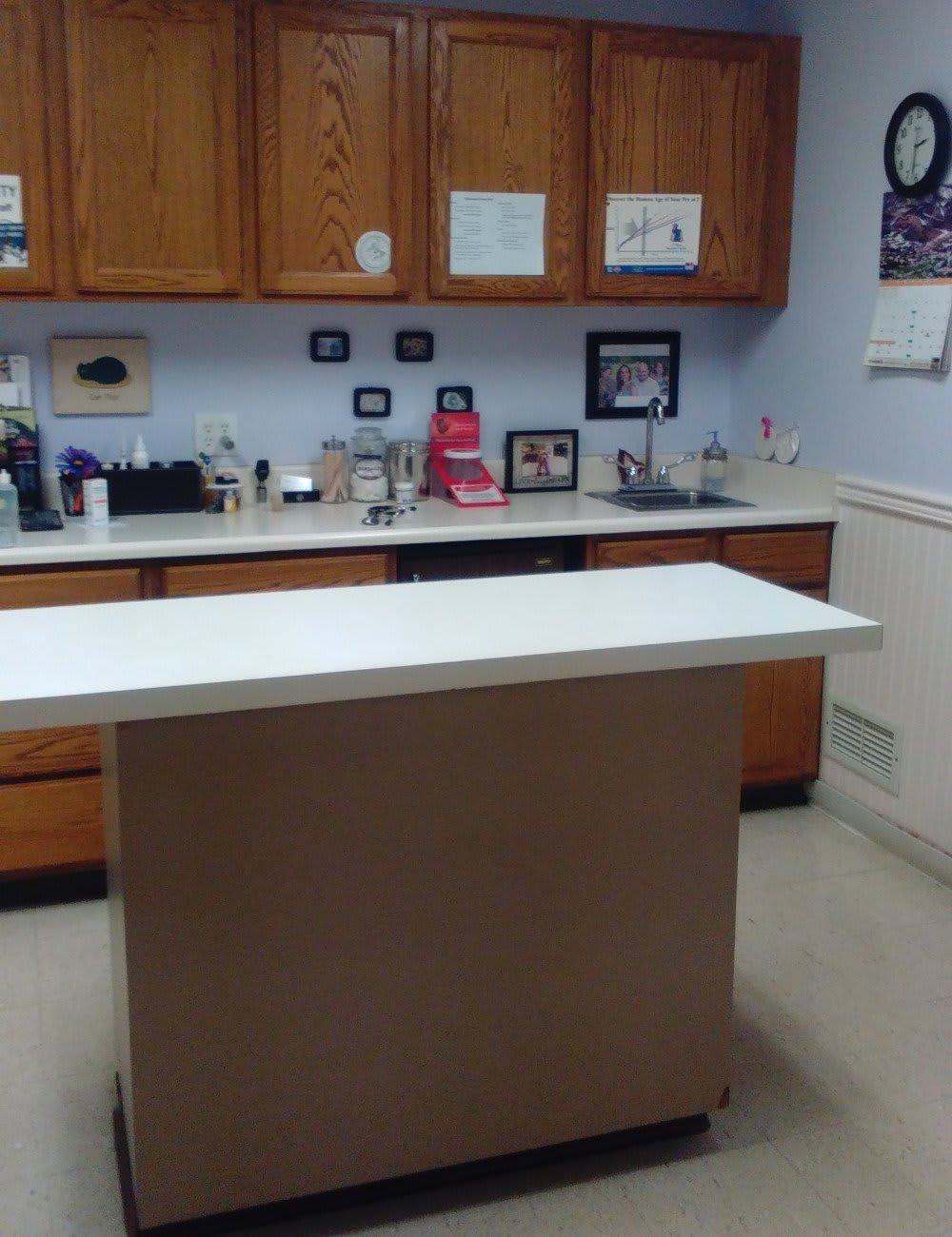dziak z room at Fort Wayne animal hospital