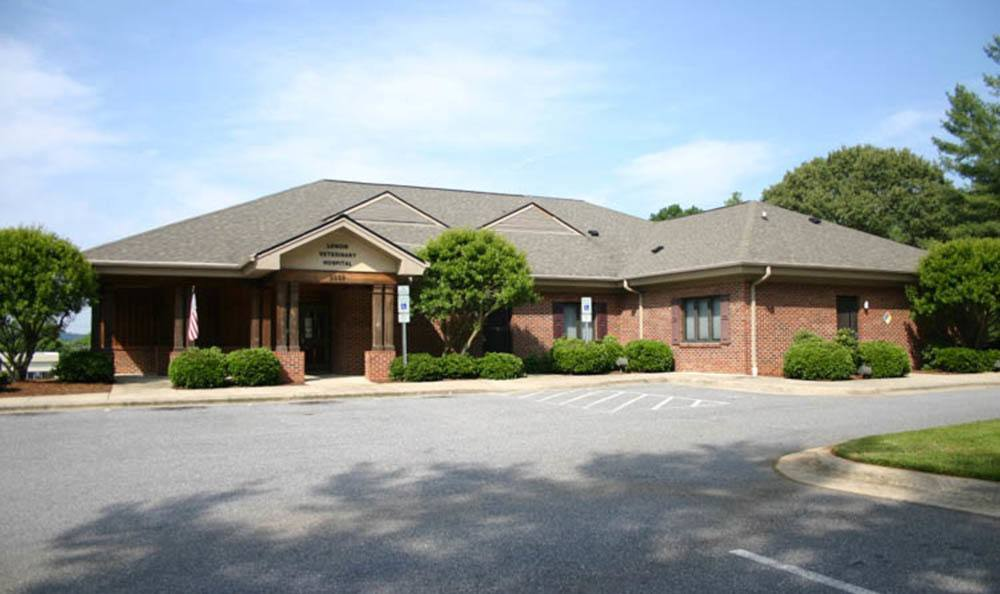 Front View Of Lenoir Veterinary Hospital In Lenoir