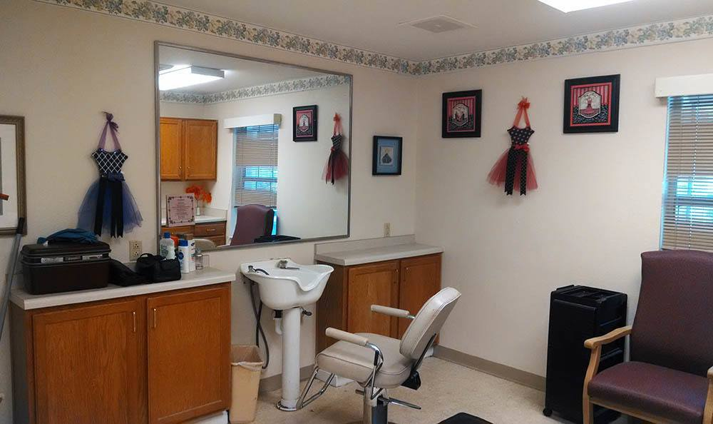 Beauty salon at Savannah Cottage of Lakeland