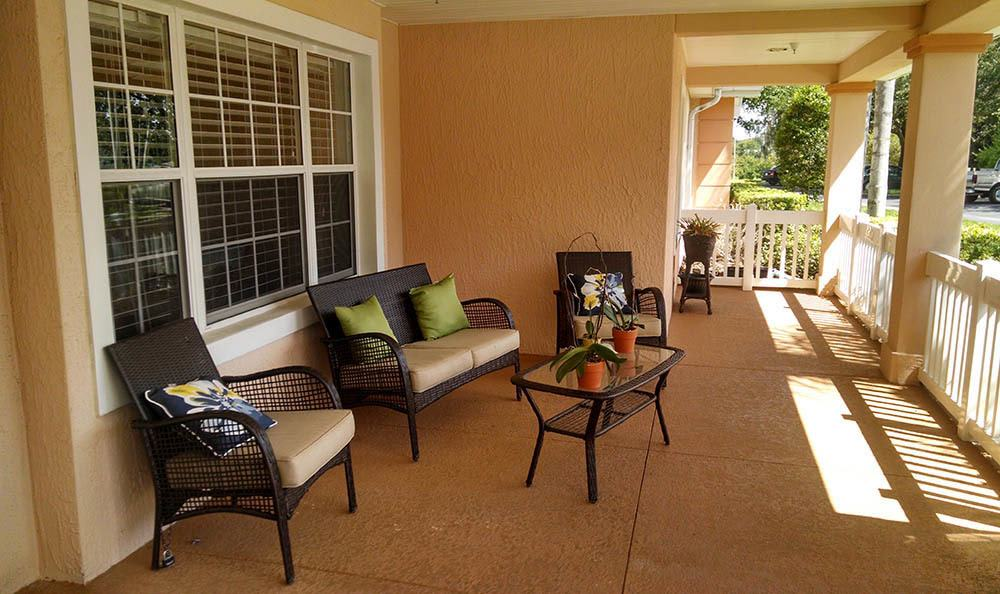 Patio at senior living in Lakeland