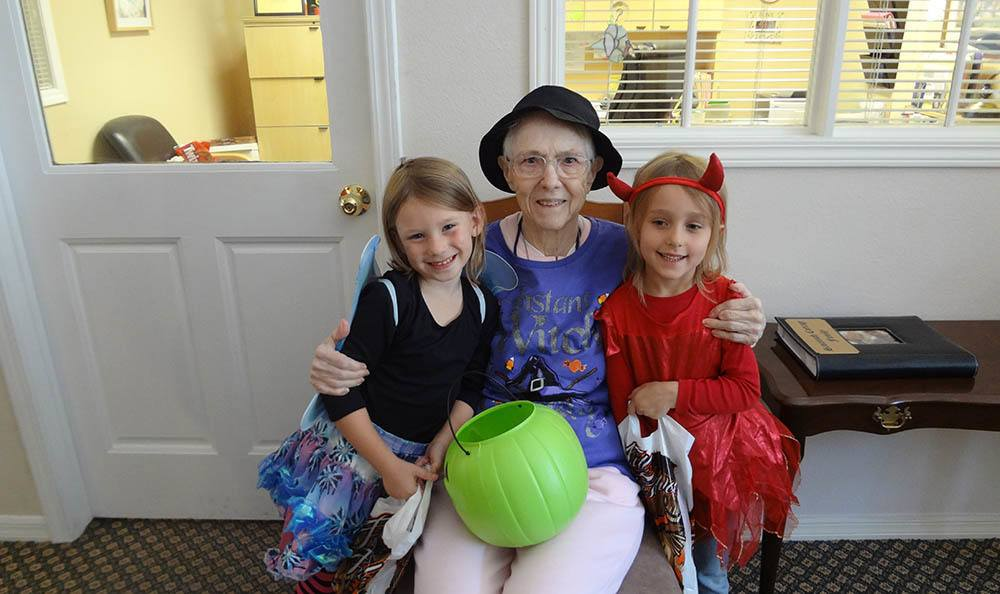 Resident with her grandchildren in Lakeland