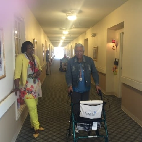 Happy Residents  at Savannah Court of Bastrop senior living