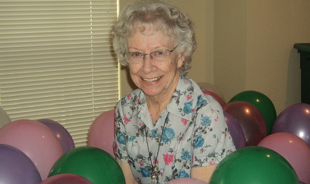 happy resident at Savannah Court of Bastrop senior living