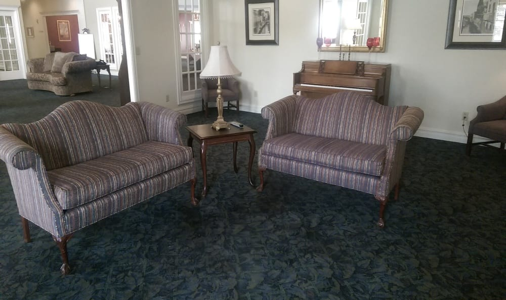 Lounge at Savannah Grand of Bossier City Senior Living