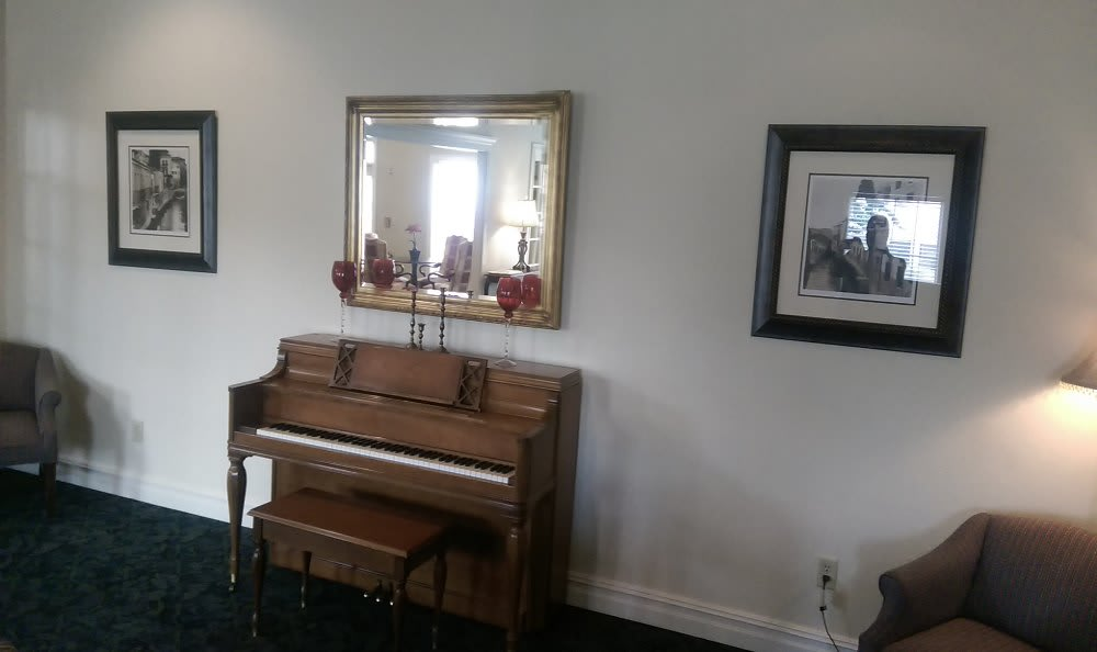 Piano at Savannah Grand of Bossier City Senior Living
