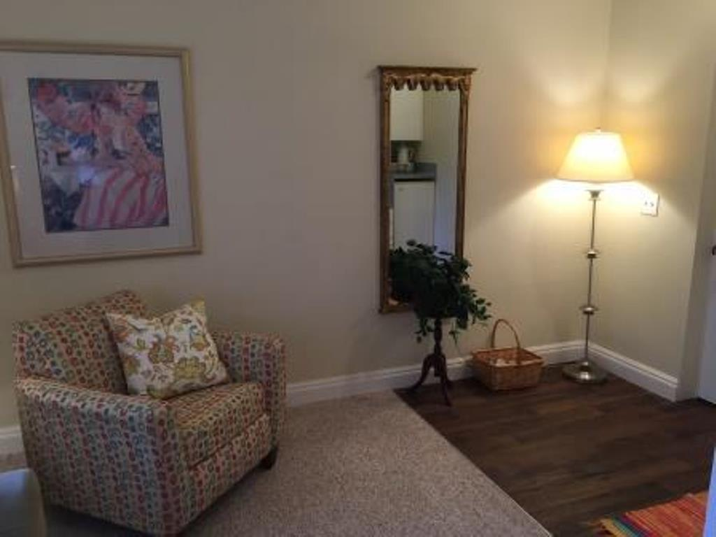 Spacious Apartments at Savannah Grand of Sarasota senior living