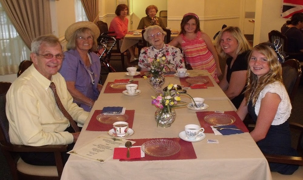 Luxury dining at Balcony at Savannah Grand of Sarasota senior living